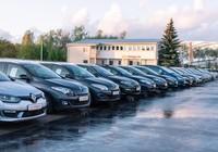 Konsultējaties ar profesionāliem un atsaucīgiem automašīnu ekspertiem par Jūsu vajadzībām, finansiālajām iespējām un mūsu īpašajiem piedāvājumiem.